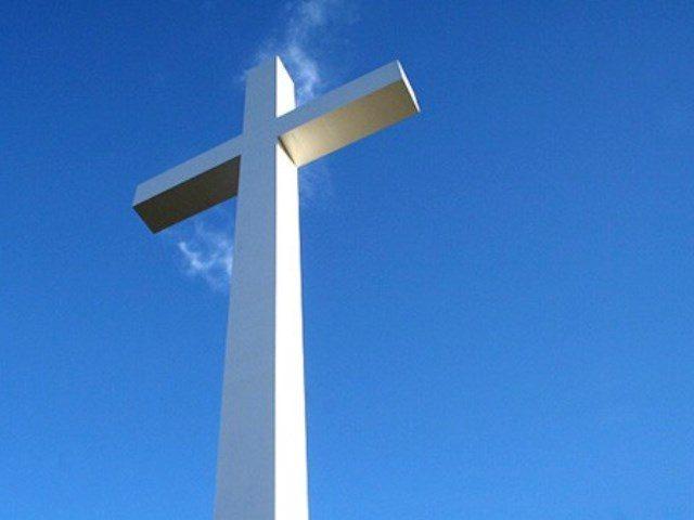 Sagemont-Church-Cross-640x480