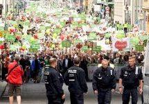 """Milhares se juntam na """"Marcha pela Vida"""" na Alemanha e na Suíça"""