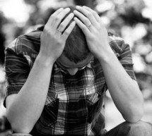 A crítica da homossexualidade favorece as altas taxas de suicídio?